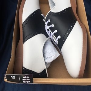 Predictions Shoes - ✨LAST PAIR✨ Awesome Saddle Shoes